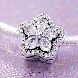 Pandora Sparkling Snowflake Pavé Charm